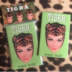 Tigra Girl magnet green